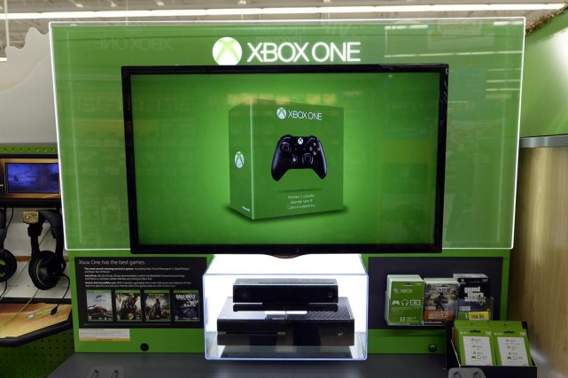 Le prix de la Xbox One de Microsoft démarrait... (PHOTO ARCHIVES REUTERS)