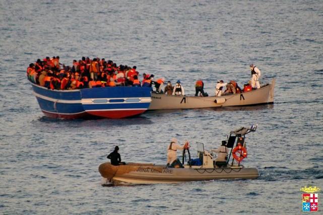 Au moins 17 immigrés ont trouvé la mort dans le naufrage lundi d'une... (Photo AFP)