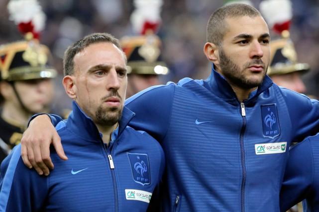 Franck Ribéry et Karim Benzema, de l'équipe de... (Photo Michel Euler, AP)