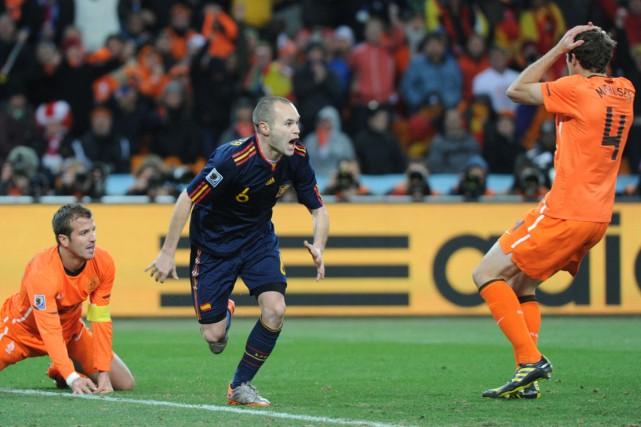 L'Espagne et les Pays-Bas se sont affrontés en... (Photo Gabriel Bouys, archives AFP)