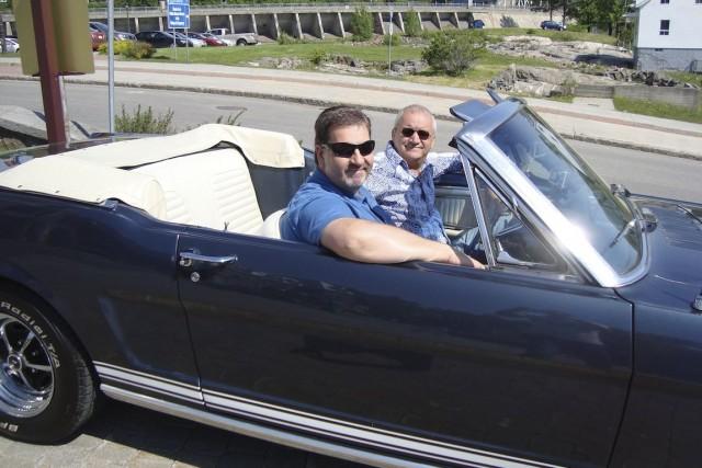 Michel Barrette a sorti sa Mustang GT 1965... (Photo fournie par Radio-Canada)