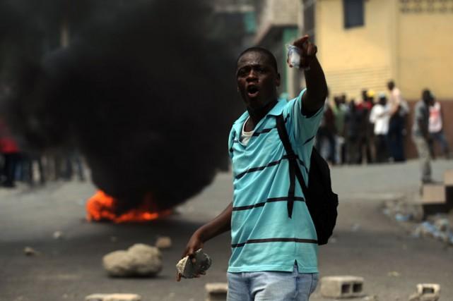 Les accrochages entre opposants et forces de l'ordre... (Photo: AFP)