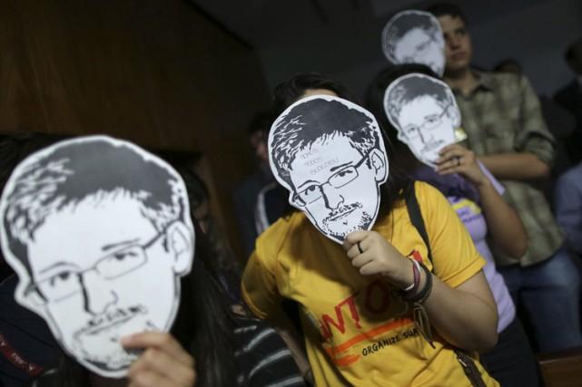 Le livre de Glenn Greenwald sur les révélations fracassantes d'Edward Snowden... (Archives Reuters)