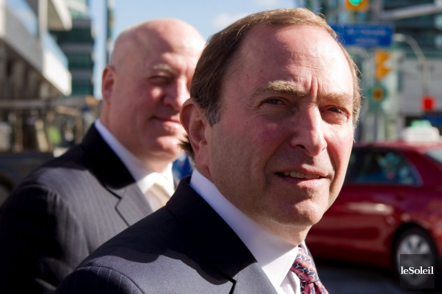 Le commissaire de la LNH, Gary Bettman, et... (Photothèque Le Soleil)