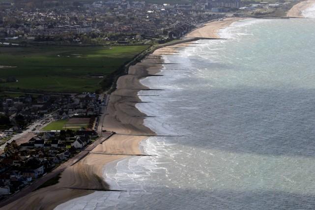 La Sword Beach, l'une des cinq plages où... (Photo David Vincent, AP)