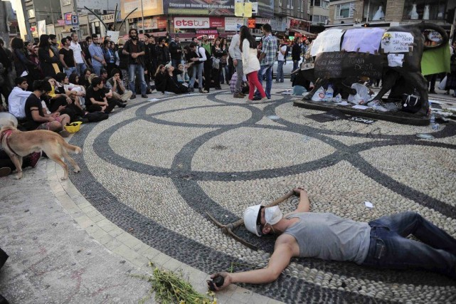 Une manifestation à Istanbul.... (Photo Reuters)