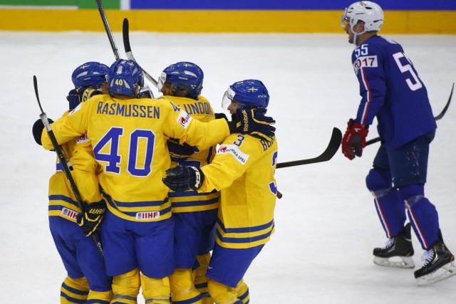 La Suède a défait la France 2-1 au Championnat du monde de hockey sur glace,... (Photo AP)