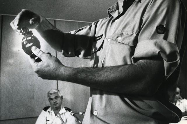 Sur cette photo de 1974, un expert en... (Archives La Presse)