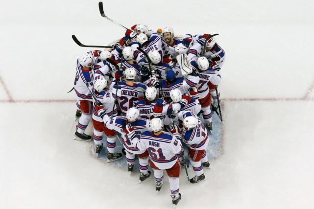 Contre toute attente, les Rangers ont renversé la... (Photo AP)