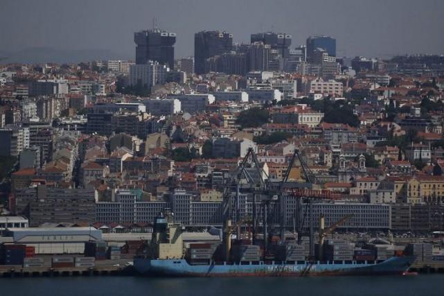 Samedi, le Portugal deviendra, après l'Irlande, le deuxième... (PHOTO RAFAEL MARCHANTE, ARCHIVES REUTERS)