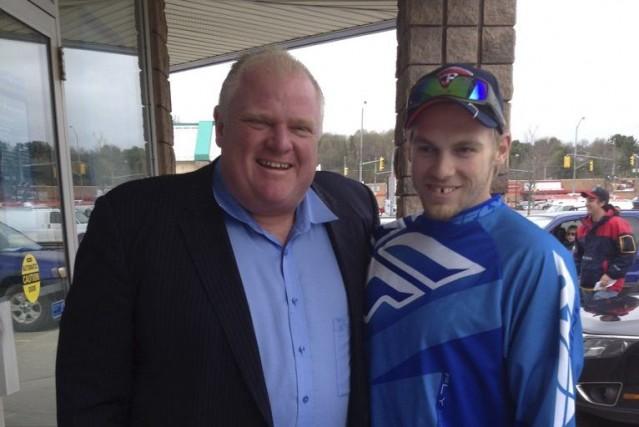 Des dizaines de personnes ont vu M. Ford... (Photo La Presse Canadienne)