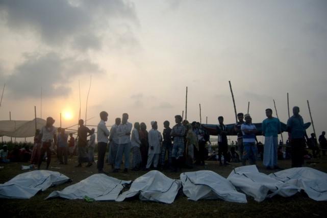 Des survivants accusent le capitaine du traversier d'avoir... (Photo ANIK RAHMAN, AFP)