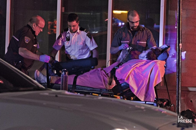 Une bagarre a fait quatre blessés au centre-ville... (Photo Félix O.J. Fournier, collaboration spéciale)