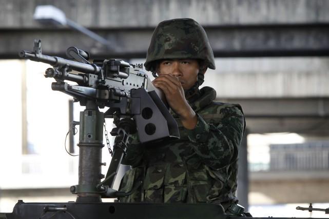 Des soldats ont été déployés mardi matin dans... (Photo CHAIWAT SUBPRASOM, Reuters)