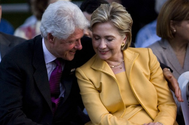 Bill et Hilllary Clinton.... (Archives AP)