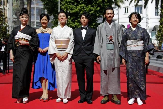 La réalisatrice japonaise et ex-jurée Naomi Kawase (3e... (PHOTO ERIC GAILLARD, REUTERS)