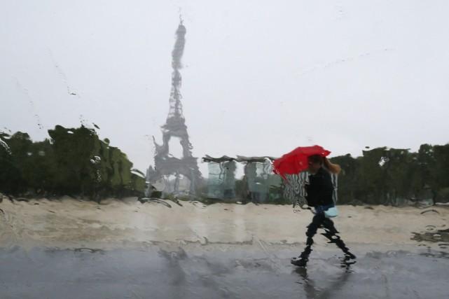 Les Français devraient réapprendre à s'aimer un peu... (PHOTO GONZALO FEUTES, ARCHIVES REUTERS)