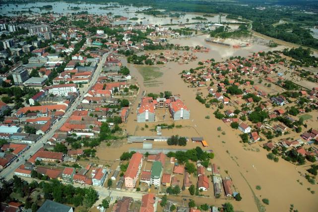 À Obrenovac, l'une des villes serbes les plus... (PHOTO ALEXA STANKOVIC, AFP)