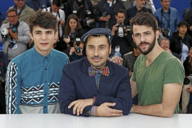 Le réalisateurPanos Koutras (au centre), en compagnie de... (Photo: Reuters)
