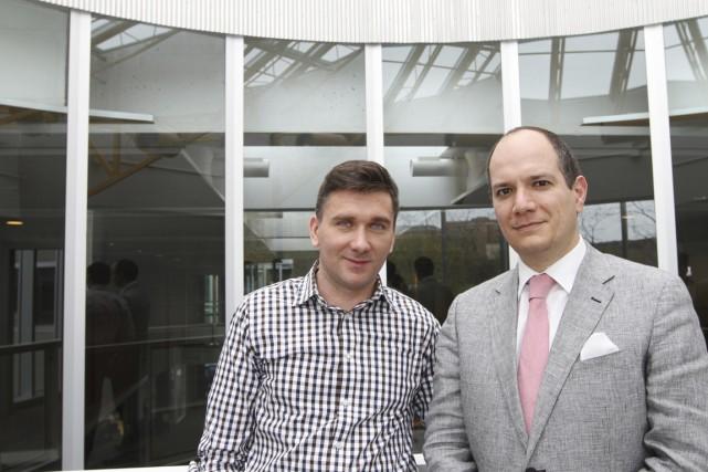 Gabriel Chirita (à gauche), chercheur coordonnateur, et Luis... (PHOTO STÉPHANE CHAMPAGNE, COLLABORATION SPÉCIALE)