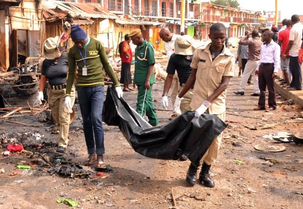 À Jos, dans le centre du Nigeria, les... (Photo AFP)