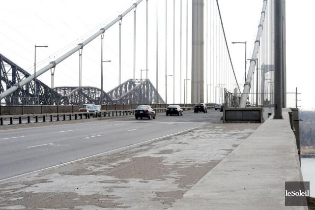 Le pont Pierre-Laporte... (Photothèque Le Soleil, Erick labbé)
