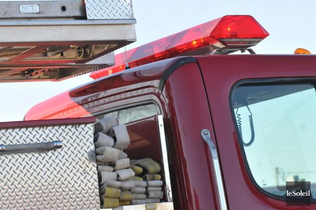 Les premières hypothèses des pompiers leur font croire... (Photothèque Le Soleil)