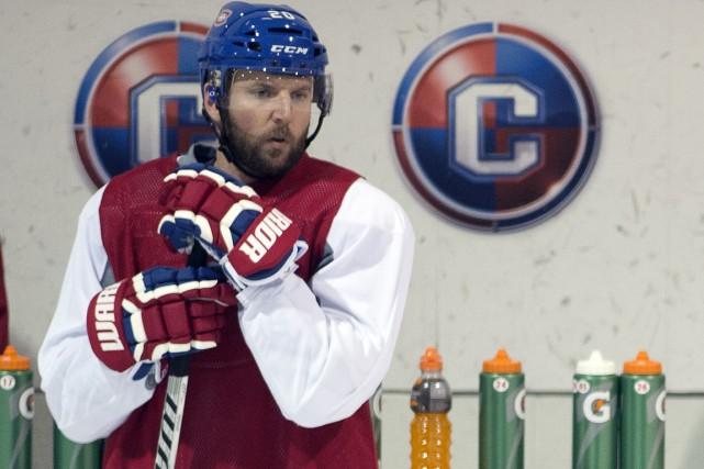 Thomas Vanek semblait songeur, hier, à l'entraînement du... (Photo Ryan Remiorz, La Presse Canadienne)