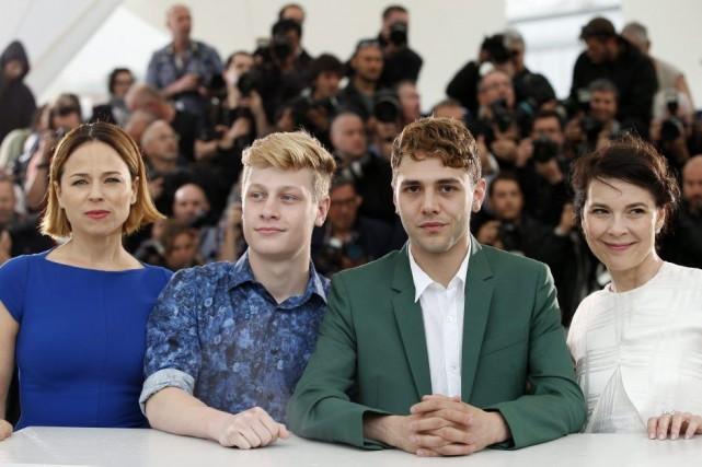 Suzanne Clément, Antoine-Olivier Pilon, Xavier Dolan et Anne... (Photo: AP)