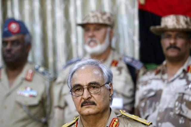 Au milieu de cette confusion totale, le général... (PHOTO ESAM OMRAN AL-FETORI, REUTERS)