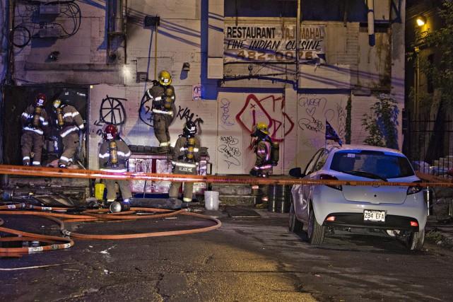 L'incendie a été déclenché vers 4h20 au Liquid... (Photo FÉLIX O.J. FOURNIER, collaboration spéciale)