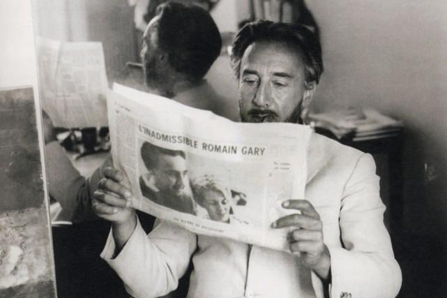 Romain Gary, alias Émile Ajar, aurait eu 100... (Photo: tirée du livre Lectures de Romain Gary)
