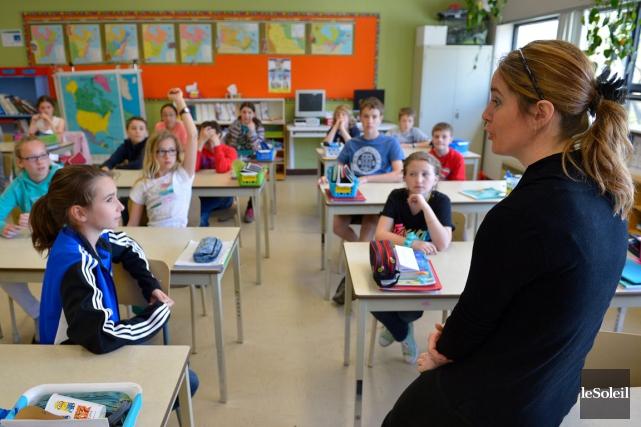 L'enseignante Marie-Claude Tardif dans sa classe en 2014... (Photothèque Le Soleil, Yan Doublet)