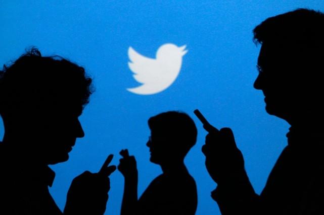 Sur le site NoHomophobes.com, les tweets défilent à une vitesse vertigineuse.... (PHOTO KACPER PEMPEL, REUTERS)
