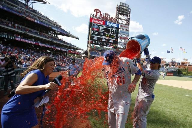 Josh Beckett a reçu la traditionnelle «douche de... (Matt Slocum)