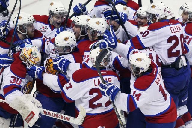 Les Oil Kings d'Edmonton ont remporté la Coupe Memorial en défaisant le Storm... (Photo Dave Chidley, PC)