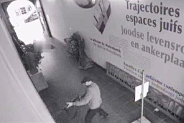 Les images de vidéosurveillance, diffusées dimanche par la... (IMAGE AFP/BELGA/POLICE FÉDÉRALE BELGE)