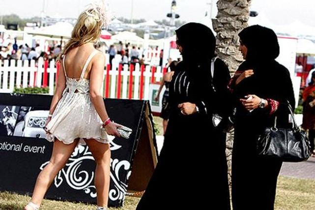 Les étrangers sont priés par les autorités qataries... (PHOTO ARCHIVES ARABIANGAZETTE.COM)