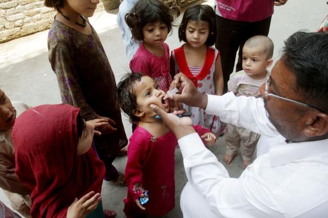Islamabad, qui, à l'appel de l'OMS, avait récemment... (PHOTO K.M. CHAUDARY, ARCHIVES AP)