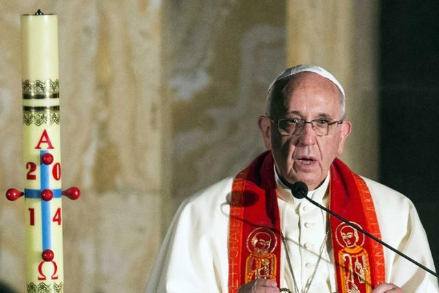 Au cours de sa visite, François a appelé... (Photo: Reuters)