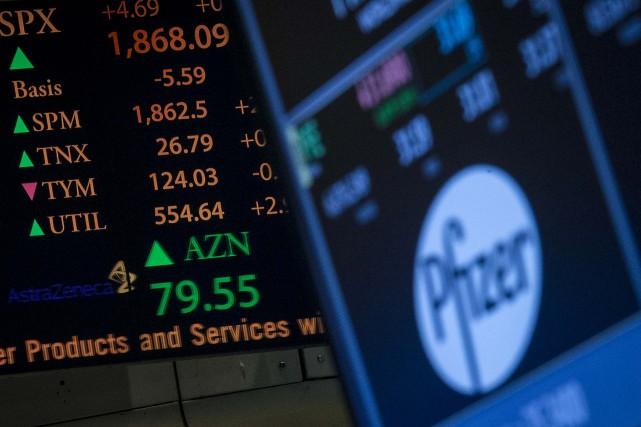 Malgré la tentative ratée d'achat d'AstraZeneca par Pfizer,... (Photo Brendan McDermid, archives Reuters)