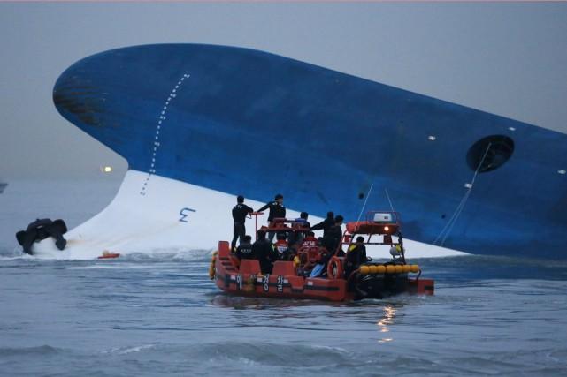 Le naufrage duSewolà quelques kilomètres de la côte... (PHOTO KIM HONG-JI, ARCHIVES REUTERS)