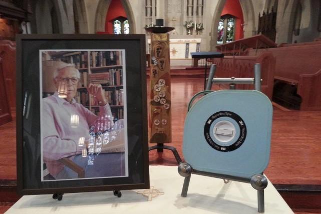 Les cendres de Knowlton Nash sont contenues dans... (Photo: La Presse Canadienne)