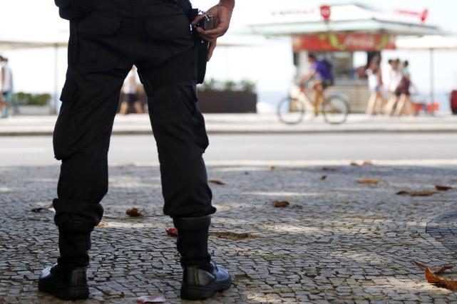 Dans la maison de l'un des policiers, les... (Photo SERGIO MORAES, REUTERS)