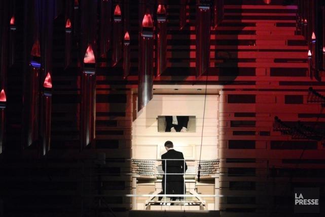 Le grand orgue Pierre-Béique avec Olivier Latry, organiste... (Photo: Bernard Brault, La Presse)