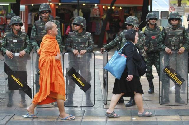 Depuis un peu plus d'une semaine les militaire... (PHOTO WASON WANICHAKORN, AP)
