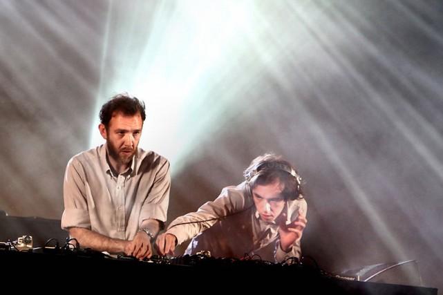 2 Many DJ's... (Photo: fournie par Google Images)