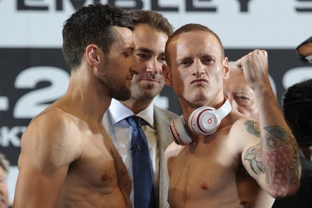 La pesée en vue du combat revanche entre... (Photo Carl Court, AFP)