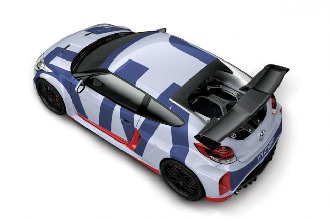 Ce prototype possède un moteur central arrière, contrairement... (Photo fournie par Hyundai)