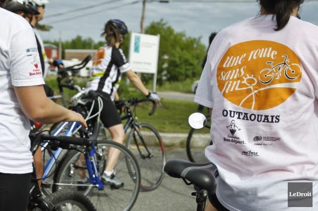 Plus de 1000 jeunes participent au défi qui... (PHOTO PATRICK WOODBURY, LEDROIT)